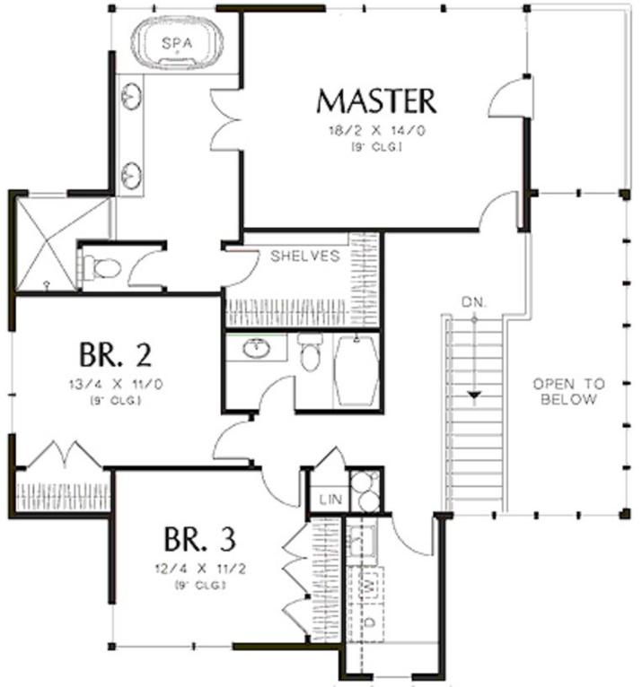 Plano de casa grande con 3 pisos