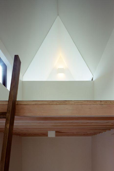 interior de casa delgada