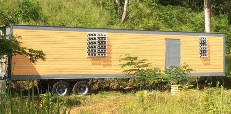 Casas hechas de vagones en PR