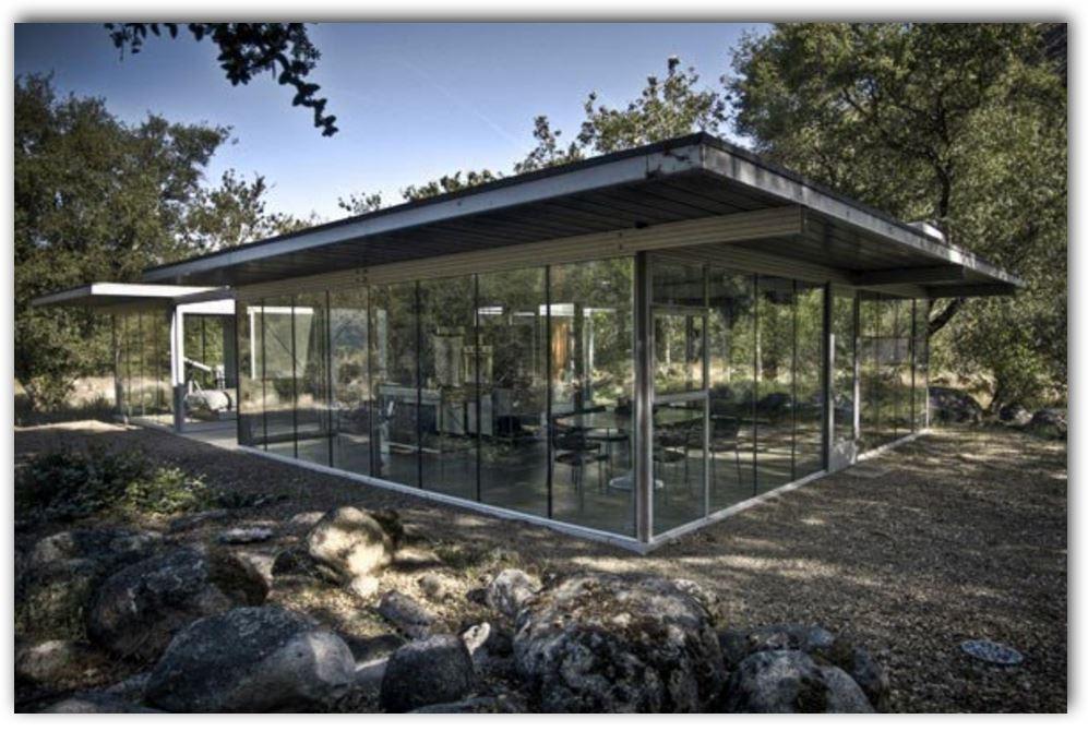 fachadas-de-casas-minimalistas-vidrio