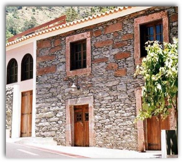 fachada-de-casa-de-piedra