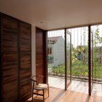 Plano de casa de 3 pisos y fachada moderna