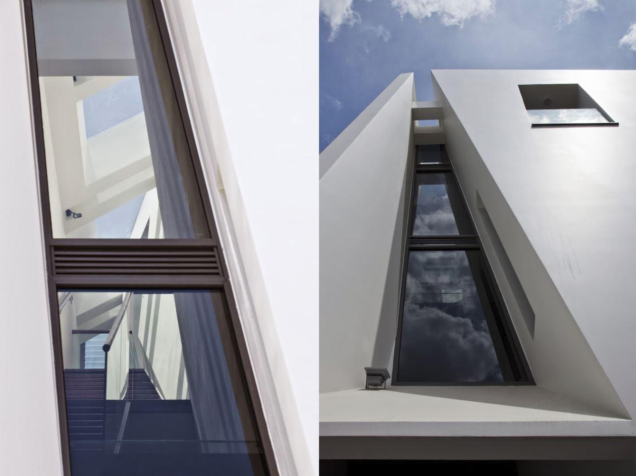 Dise o de casas en terrenos angostos y largos for Ventanas para techos planos argentina