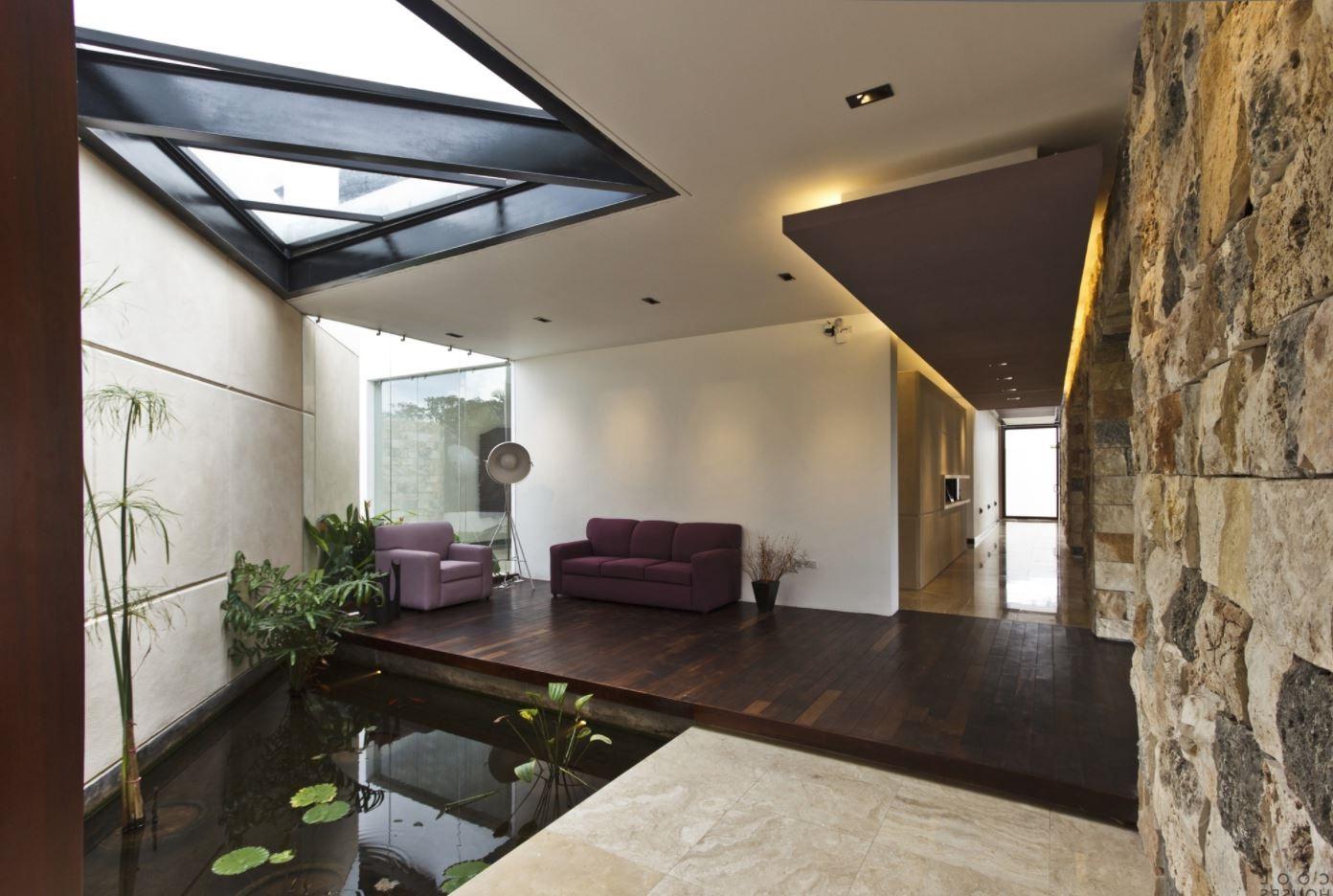 Decoraci n de jardines y patios for Patios interiores modernos